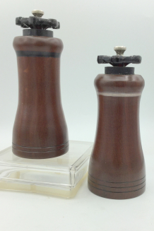 #2027 & #2028 Valve Handle Topped Salt & Pepper Mills Zapote W