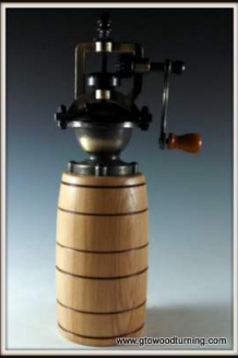 """""""Antique"""" Style Pepper Mill in Ash with Barrel Shape"""